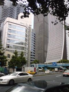 不思議な街、新宿